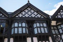 Строки здания Tudor черно-белые в Честере город графства Чешира в Англии Стоковое Изображение RF