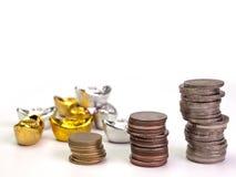 Строки монеток показывают увеличение Стоковая Фотография