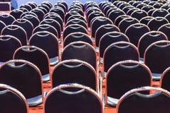 Строки пустых стульев Стоковое фото RF