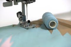 Строки шить иглы Стоковые Фотографии RF