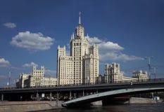 строя высокий подъем Россия stalin moscow Стоковое Фото