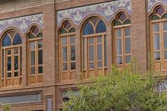 Строя деревянное Windows с красочными стеклами Стоковое Изображение RF