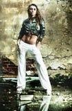 строя загубленные детеныши женщины Стоковая Фотография RF