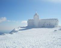 строя покрытый снежок Стоковые Фото