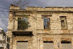 Строя руины в Мостаре, после взрыва города Стоковая Фотография