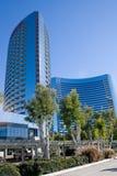 строя самомоднейший небоскреб Стоковые Изображения