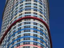 строя multi этаж зодчество самомоднейшее Яркий небоскреб Стоковые Фотографии RF