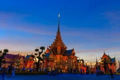 Структура кремации Twilight времени королевская, Бангкок Таиланд стоковые изображения rf