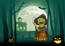 Стряпня ведьмы активная в котле в темной страшной древесине бесплатная иллюстрация