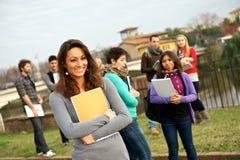 студенты коллежа этнические multi стоковое фото