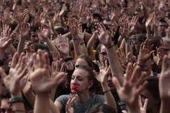 Студенты на demostration Барселоны для независимости