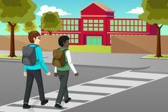 Студенты пересекая улицу к иллюстрации Schooll иллюстрация штока