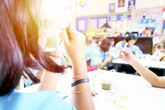 Студенты учат в искусствах стоковое изображение