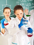 студент группы склянки химии стоковое фото rf