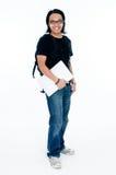 студент компьтер-книжки удерживания коллежа сь Стоковая Фотография RF