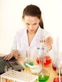 студент склянки химии Стоковые Изображения RF