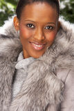 студии шерсти пальто женщина модной нося стоковые изображения rf