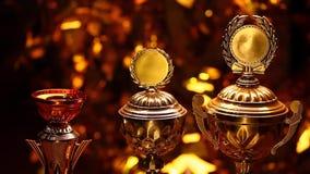Студия чашки золота серебряная бронзовая видеоматериал