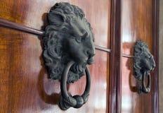 стуки двери стоковое фото