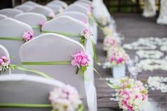 Стулы венчания стоковые изображения