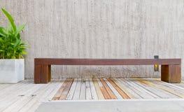 стулы длиной деревянные Стоковое Фото