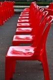стулы опорожняют красный цвет Стоковое Фото