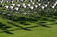 стулы опорожняют стоковые фотографии rf