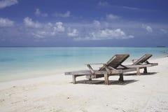 Стулы салона на пляже Стоковые Фотографии RF