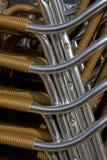 стулы metal штабелировано стоковые фото