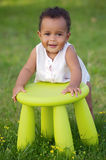 стул играя малыша стоковые фото