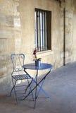 стул угловойой меньшяя таблица Стоковая Фотография RF