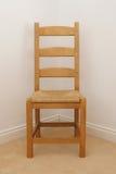 стул угловойой опорожняет стоковое фото