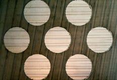 Ступенчатост текстуры предпосылки и картина круга на серой пластмассе Стоковая Фотография RF