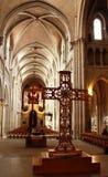 Ступица собора Нотр-Дам в Лозанне, осмотренного от задней части церков. Стоковое Изображение