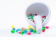 Ступка и пестик с пилюльками Стоковое Изображение RF