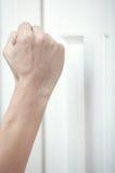 стучать двери стоковая фотография rf