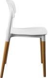 Стул белого цвета пластичный, современный дизайнер Стул на деревянных ногах изолированных на белой предпосылке вектор интерьера и Стоковое Изображение RF