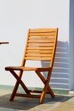 стул в острове Греции стенда paros старого около antiq кирпича Стоковые Изображения