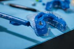 студенты зубоврачевания на исследовании зубов Стоковые Фото