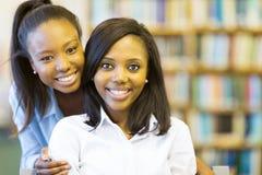 Студенты колледжа американца Афро Стоковая Фотография RF