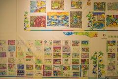 Студенты начальной школы крася для Олимпийских Игр молодости Стоковые Изображения