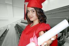 Студент девушки с дипломом Стоковые Фотографии RF