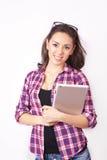 Студент девушки с таблеткой Стоковое фото RF