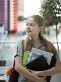 Студент красотки в кампусе Стоковое Изображение