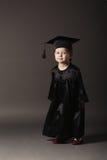 студент малыша диплома градуируя маленький Стоковое Изображение