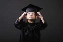 студент малыша диплома градуируя маленький Стоковое фото RF