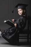 студент малыша диплома градуируя маленький Стоковые Изображения