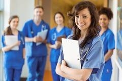 Студент-медики усмехаясь на камере Стоковые Изображения RF