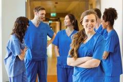 Студент-медик усмехаясь на камере Стоковое Изображение