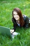 Студент с тетрадью внешней Стоковые Фото